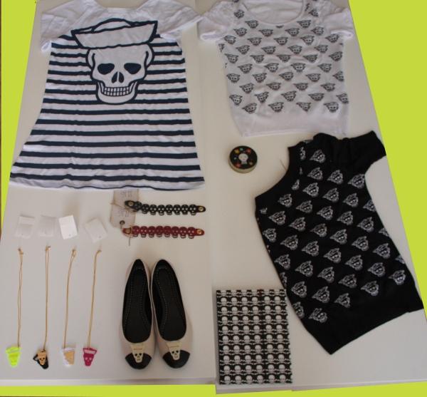 2. camiseta gaina navy; 3. tricot branco gaina; 4. colares com pingente gaina; 5. sapatilha bicolor gaina; 6. pulseiras de couro gaina; 7. caderno haikai; 8. caixinha de metal; 9. tricot preto gaina.